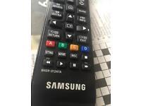 Samsung remote control bn59-01247a in good condition