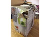 BRAND NEW SALTER 800W POWER JUICER (DAMAGED BOX)