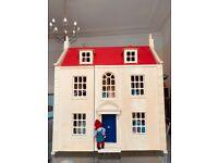 Pintoy Marlborough Wooden Dolls House With Dolls & Furniture