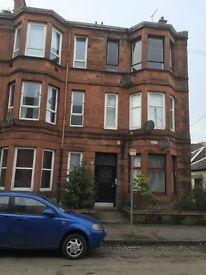 IBROX Glasgow 1 bedroomed flat 2 minutes to CESSNOCK Underground Station.
