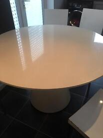White high gloss round dining table with 5 chairs