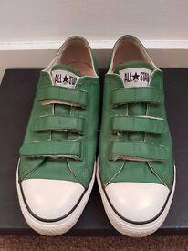 Men's size 9 converse