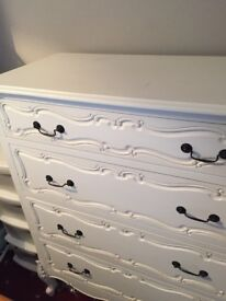 Antique Style French Chest of Drawers (5 Drawers)