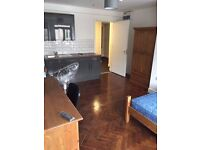 City Centre Modern Studio Flat Including All Bills Included £615