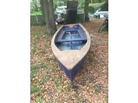 13foot boat 4 sale comes with trailer 150 Ono or swaps let me no what you have