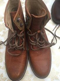 Men's UGG boots size 6
