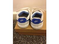 Nike kids size 4 trainers
