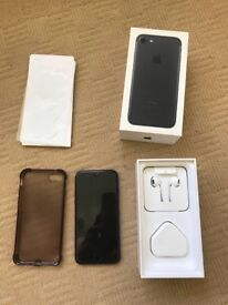 Iphone 7 , 128gb , unlocked , mint condition