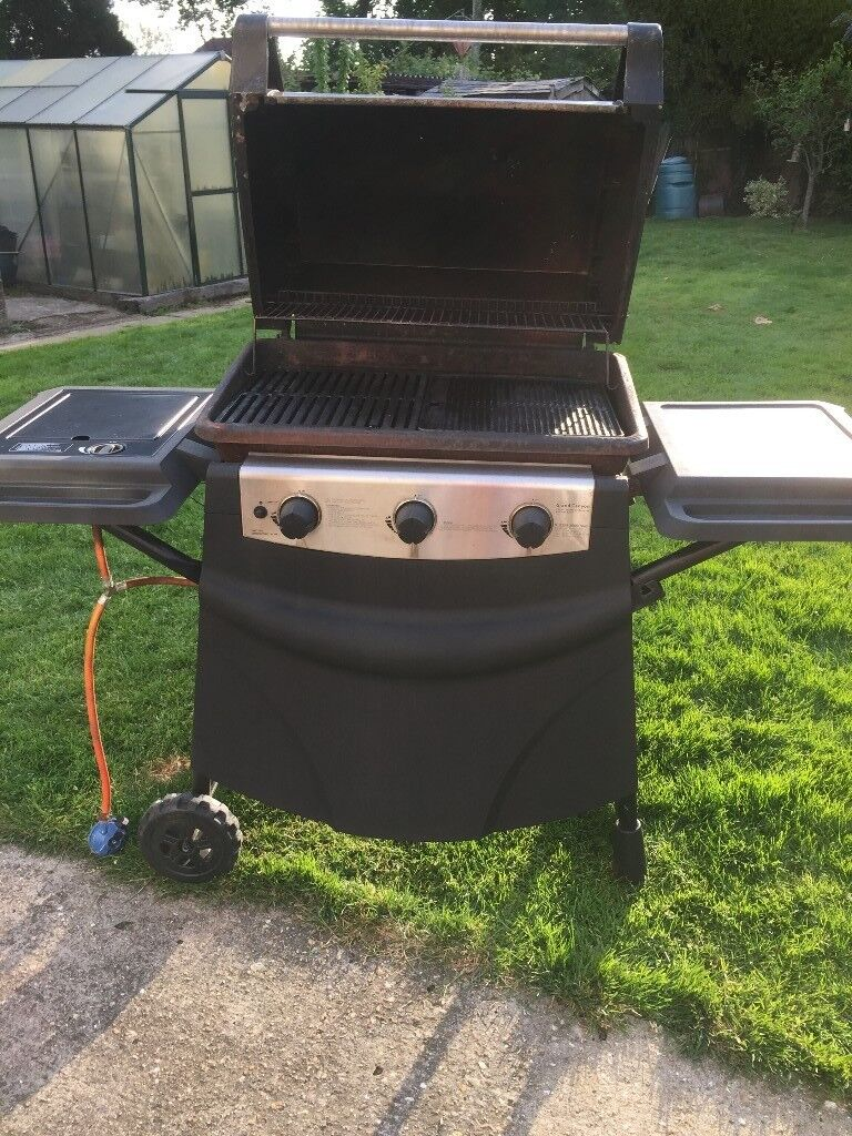 Grand Canyon Bbq.Grand Canyon Hooded 3 Burner Gas Bbq With Side Burner In Wimborne Dorset Gumtree