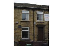 Mid Terrace Property - 10 Minute Walk To Town Center - Bradford Road, Hillhouse, HD1