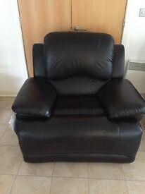 LaZ boy gizmo black leather recliner