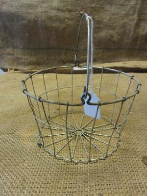 Vintage Metal Wire Basket w Handle > Antique Old Garden Kitchen Boxes 5877