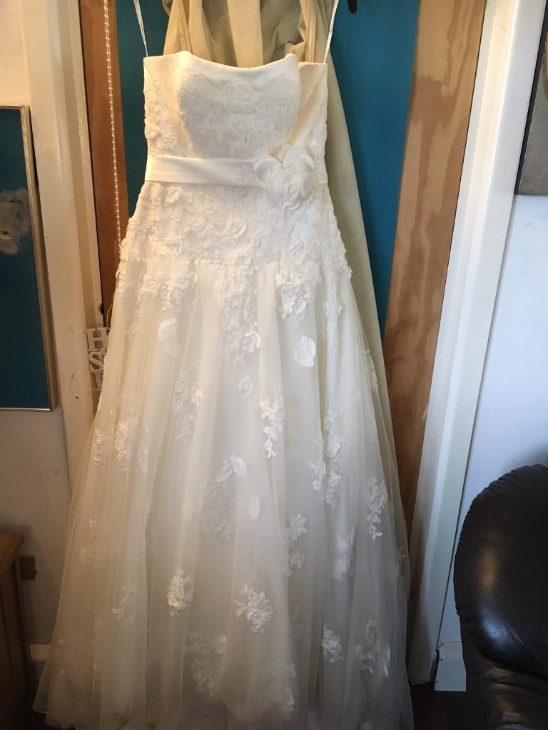Stunning Ivory Wedding Dress Size 14 Uk Sincerity Bridal Style 3671