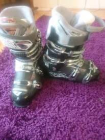 Ladies Ski Boots (uk6/25.5)