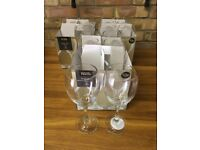 17x Wine glasses