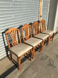 Set of 4 dining chairs, solid pine wood decorative backs Queen Anne Style legs