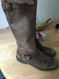 Girls brown boots from Jones