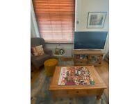 Half price!!! Set of Costwold rustic solid oak coffee table & tv / media unit