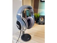 Sennheiser HD 579 headphones / headset - LIKE NEW CONDITION AND BOXED