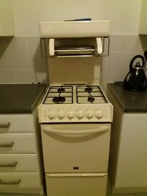 Cream free standing gas cooker good condition