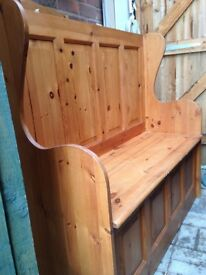 Pine Settle/Monks Bench