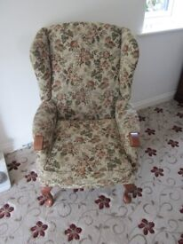 Wing fabric chair