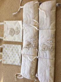 2 Mothercare cot bumpers & matching 2 cot pockets in immaculate condition