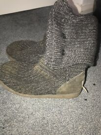 Dark grey and glitter cotton ugg boots.