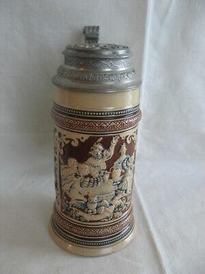 alter halber Liter Keramik Krug Bierkrug mit Wirtshaus Szene Merkelbach Spruch