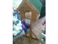 fordwich log style bird table paid£50 beautifully crafted moving so no longer needed brand new