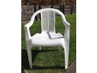 4 stackable patio chairs