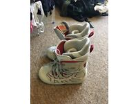 Size 6 burton snowboard boots