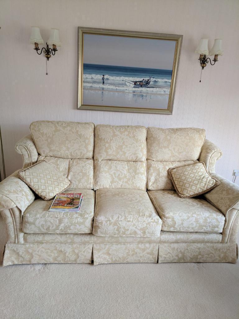 excellent english sofa ! | in stratford-upon-avon, warwickshire