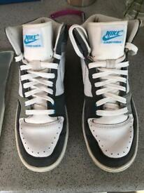 Nike court force high-top trainers uk size 9