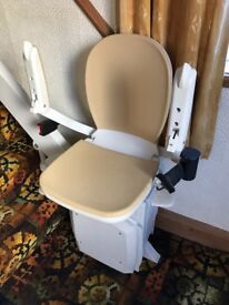 Acorn 180 curve stairlift excellent working order - 2 controls - suitable for curved stairs