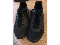 Black Nike air max invigor trainers size 5