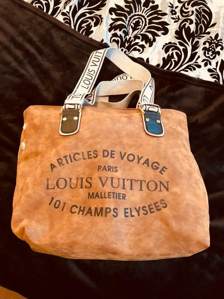12a92840073f Louis Vuitton articles De voyage