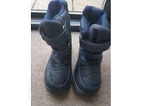 Boys snow boots size 12.5