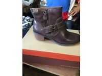 women boots brand new in the box i got 60 pairs all sizes fashion