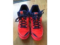 Women's/girls Netball trainers. Size uk 6.5. Mizuno wave twister 4