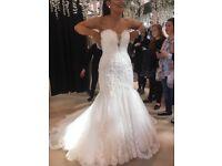 Brand new strapless wedding dress