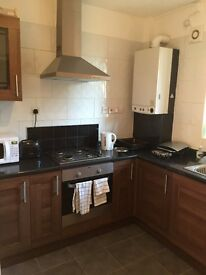DOUBLE ROOM AVAILABLE IN LIMEHOUSE, ZONA 2.