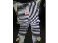 GIRLS BLUE/WHITE STRIPED LEGGINGS (BRAND NEW WITH TAGS) - AGE 6-7