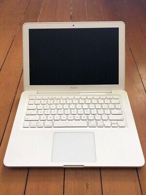 MacBook 6,1 13-inch Late 2009 With Power Supply OS X Mavericks