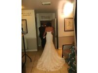 Ivory Essense Of Australia Wedding Dress Size 14 code D2209