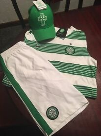 Celtic fc football strip and hat