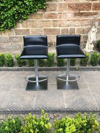 Kitchen Bar Stools in excellent condition