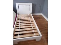 White high gloss single bed excellent condition buyer must collect text or call 07713814155 ........