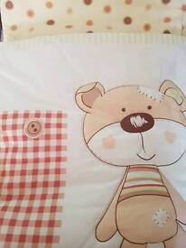 Cot bed bedding bumper and quilt