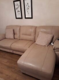 Leather cream sofa 3month old like new excellent condition